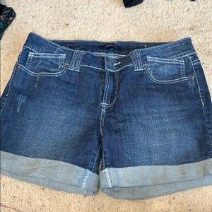 Virgo's studio denim shorts